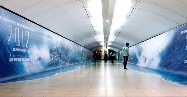 تبلیغات فیلم 2012 در مترو